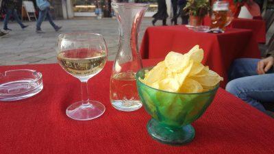 Een drankje zónder een versnapering, dat kennen ze niet in Venetië