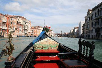 Gondeltocht view over het Canal Grande (net na Palazzo Foscari aan de linkerzijde)