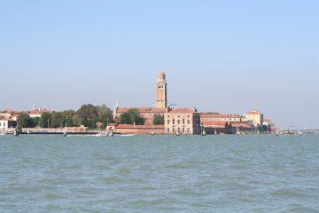 blik op de lagune en Murano vanaf Fondamente Nove