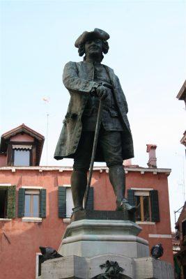 Standbeeld Goldoni